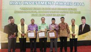 penganugrahan riau investment award 2016