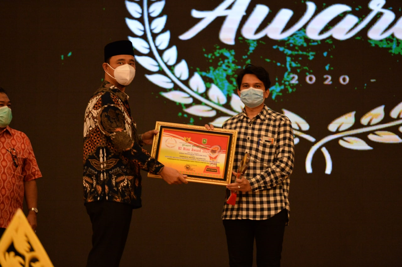 DPMPTSP Provinsi Riau Meraih Penghargaan Keterbukaan Informasi Publik
